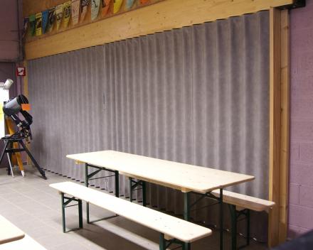 Photo_Porte pliante Aporta_salle de récreation